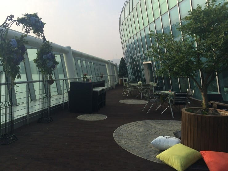 3F Terrace on the bay